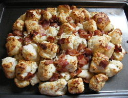 cheesy pull apart bacon bread